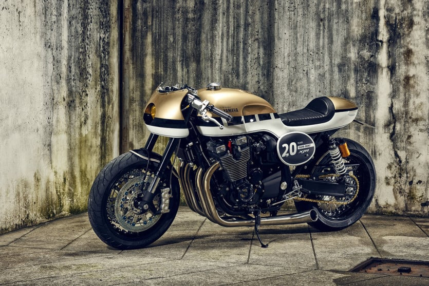 Yamaha XJR1300 Side View