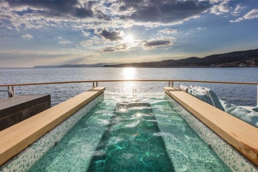 Luxury Superyacht Serenity by Mondomarine, Jacuzzi