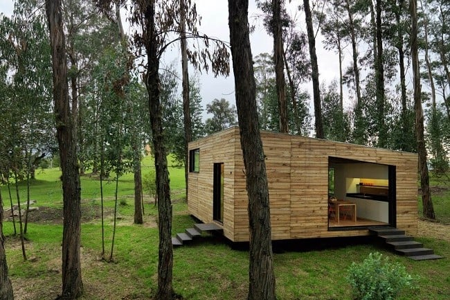 Tiny Green-Roofed Home In Ecuador 2