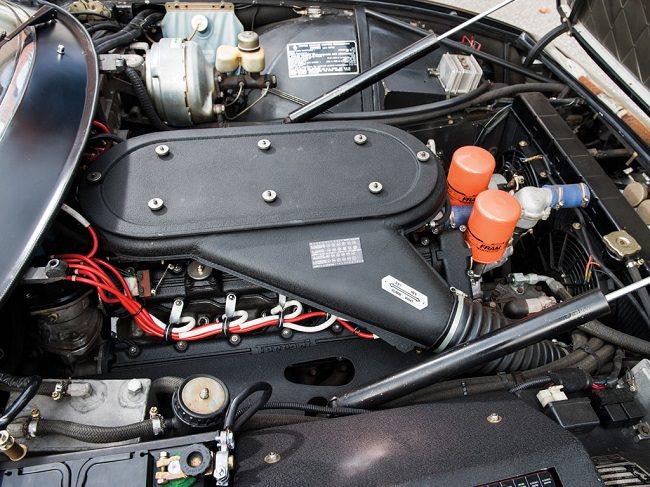 1972 Ferrari 365 GTB4 Daytona Berlinetta 17