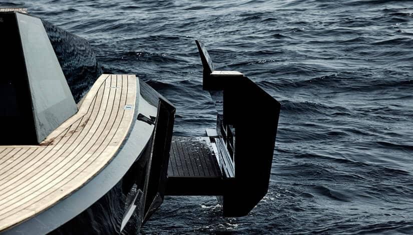 Evo 43 Luxury Boat Back Panel
