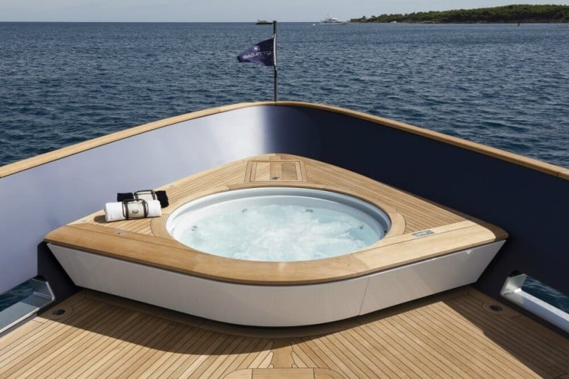 Luxury Baglietto Pachamama Superyacht, Jacuzzi