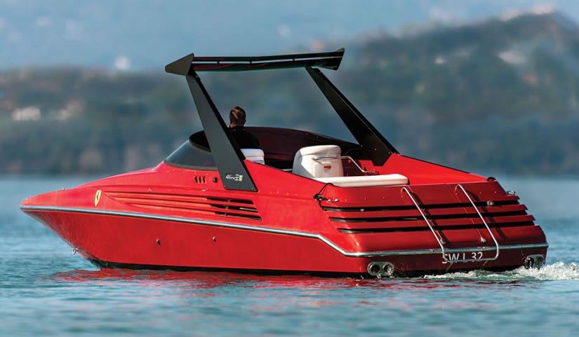 1990 Riva Ferari 32 speedboat rear view