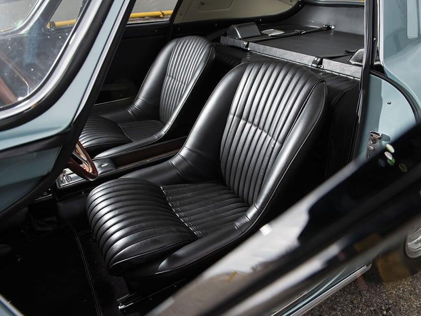 Ferrari 275 Gran Turismo Berlinetta, Black Seats
