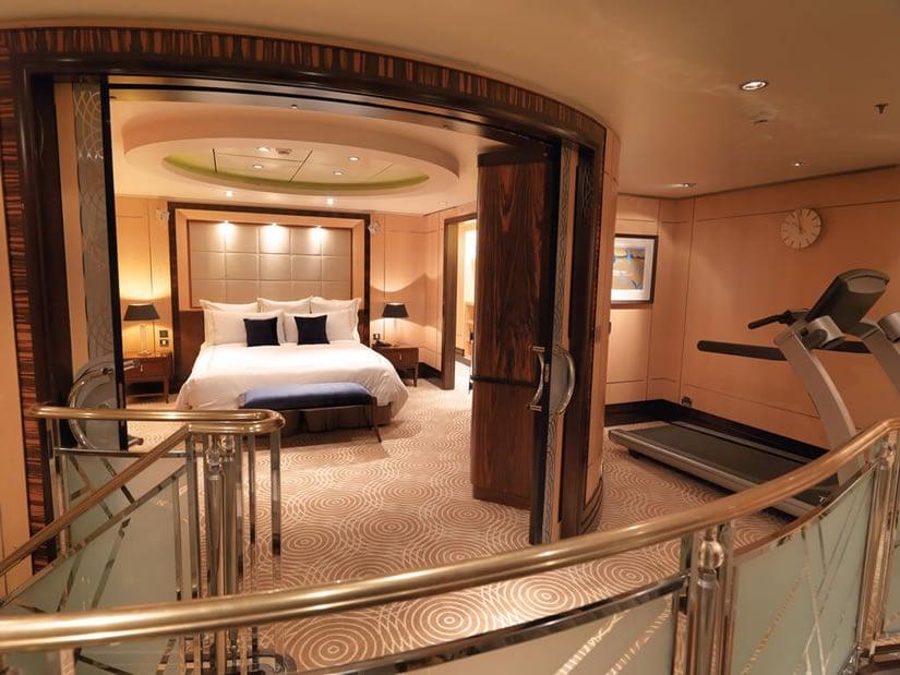Queen Mary 2 Grand Duplex Loft & Bedroom