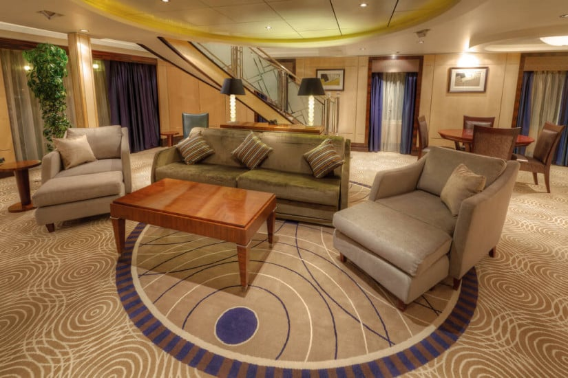 Queen Mary 2 Grand Duplex lower level