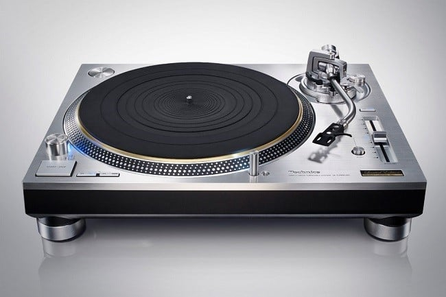Technics SL-1200GAE Turntable 3