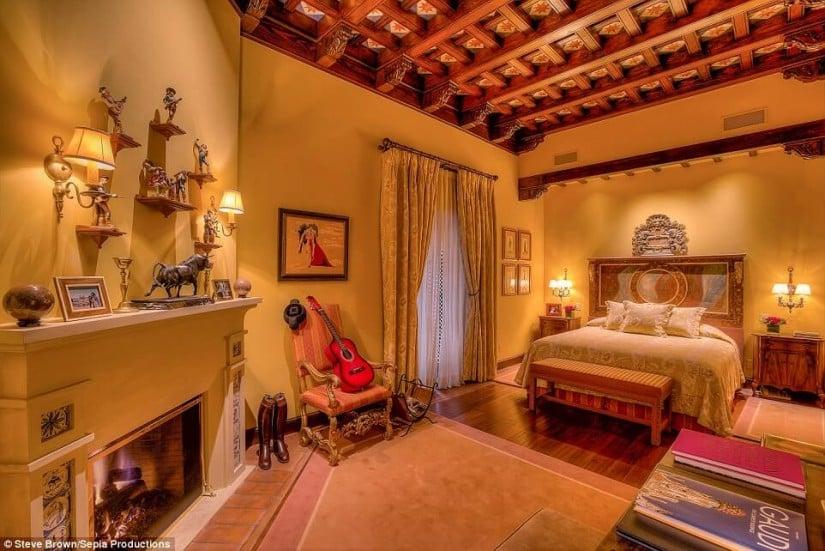 Bedroom, Hacienda de la Paz, Los Angeles