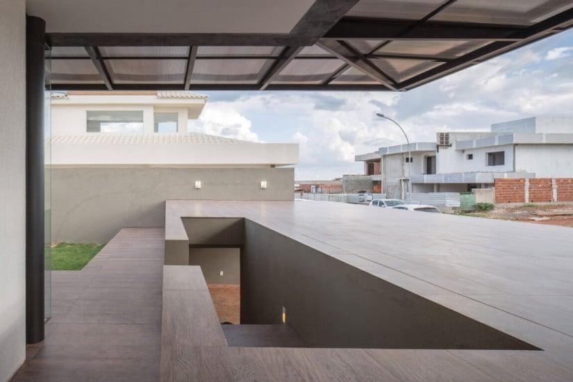 Casa MCO by Esquadra Yi, Garage
