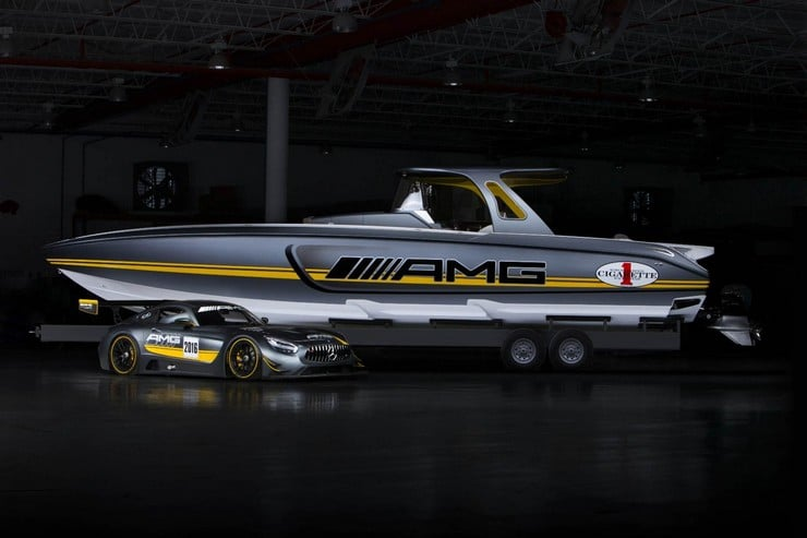 Cigarette Racing 41' SD GT3 Boat 19