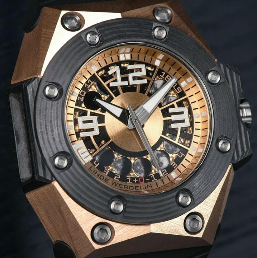 Linde Werdelin Oktopus Moon Gold 3DTP Carbon Watch