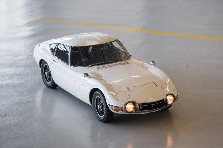 1967 Toyota 2000GT 14