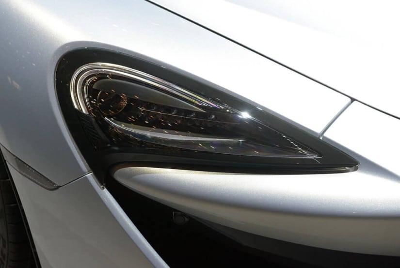 2017 McLaren 570GT, Light