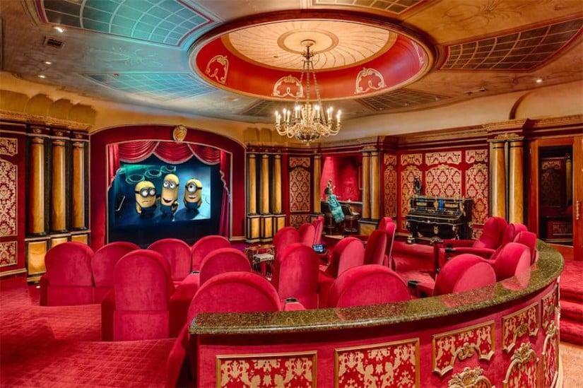 Dallas While House for Sale, Cinema