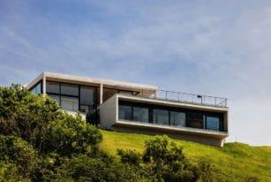 House JJ by Obra Arquitetos