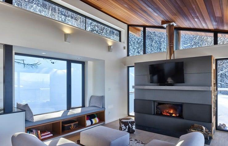 Laurentian Ski Chalet in Québec, Canada 2
