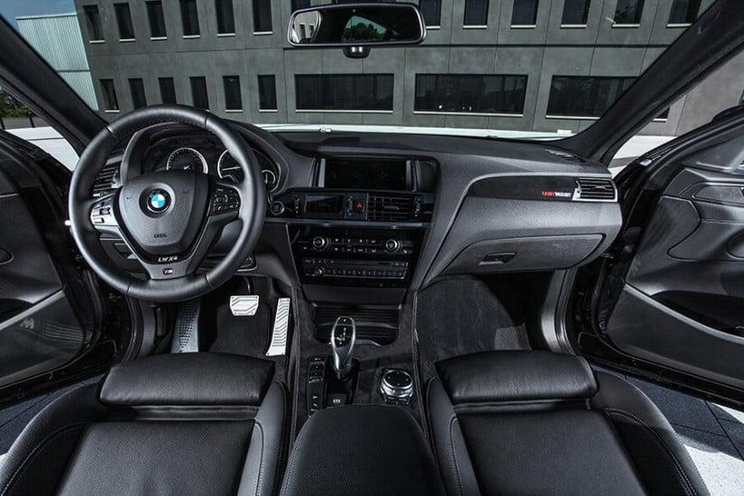 Lightweight Performance BMW X4, Interior