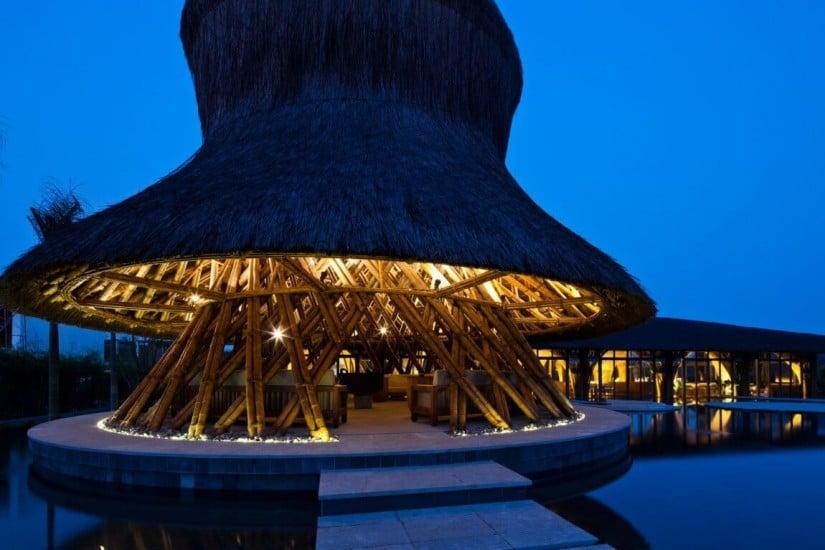 Naman Retreat Luxury Resort, Restaurant