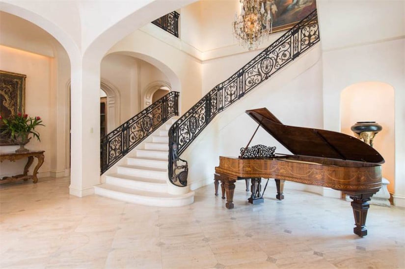 Staircase, Dallas While House