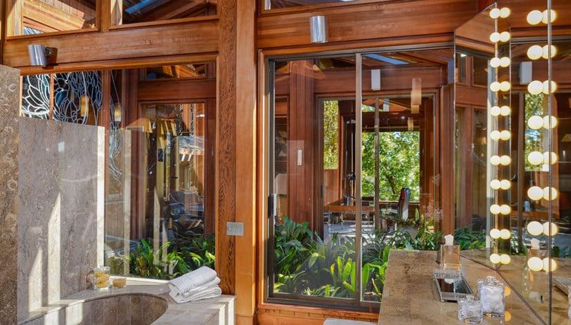 Del Dios Ranch Estate in California, Bathroom