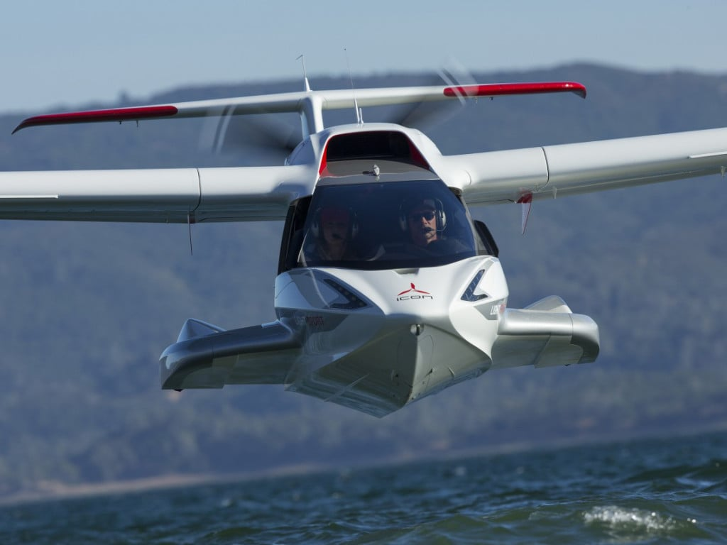 Icon A5 Personal Seaplane, Front View