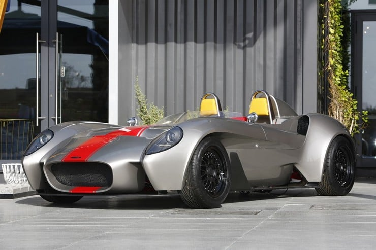 Jannarelly Design-1 Retro Roadster 11