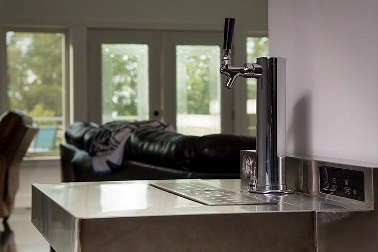 VESSI Beer Fermentor and Dispenser 7
