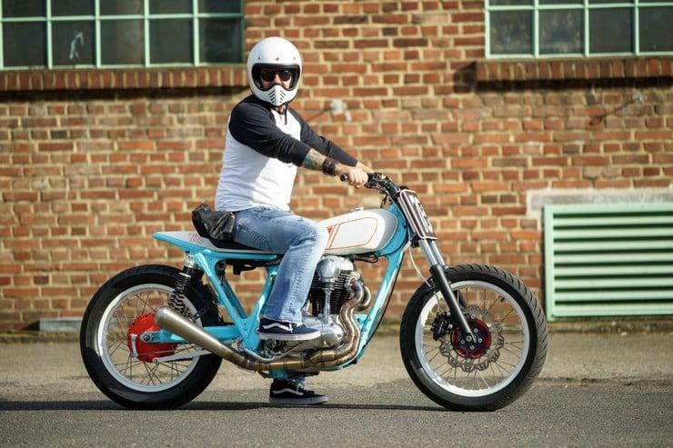 Kawasaki W650 by Hombrese Bikes 14