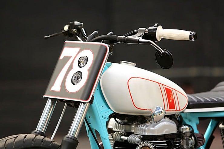 Kawasaki W650 by Hombrese Bikes 5
