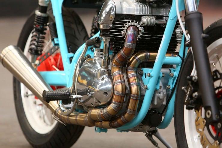 Kawasaki W650 by Hombrese Bikes 7