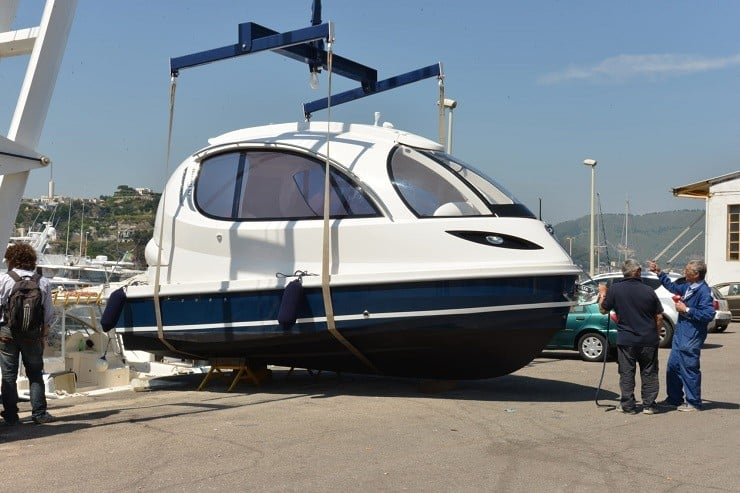 jet-capsule-mini-yacht-1