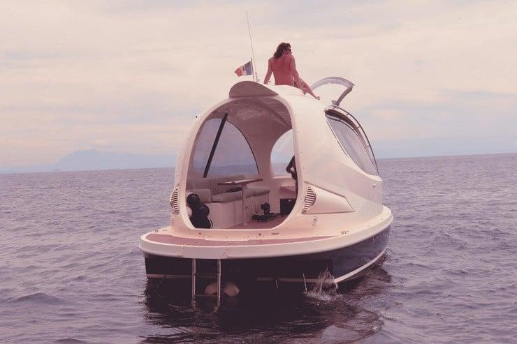jet-capsule-mini-yacht-10