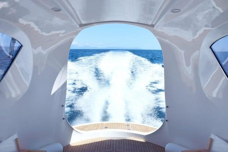 jet-capsule-mini-yacht-11
