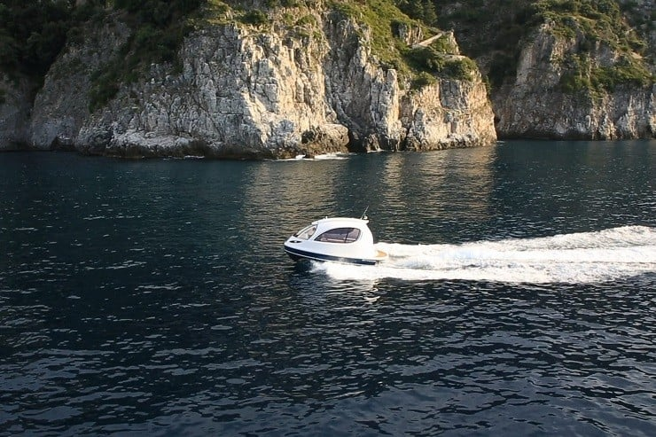 jet-capsule-mini-yacht-17