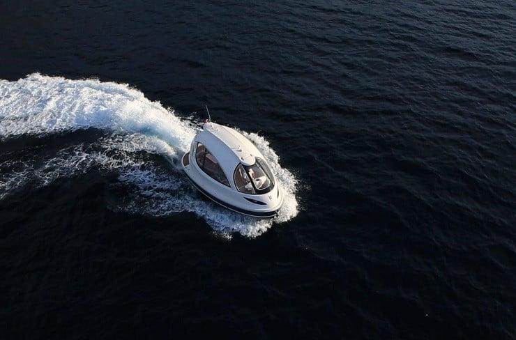jet-capsule-mini-yacht-19