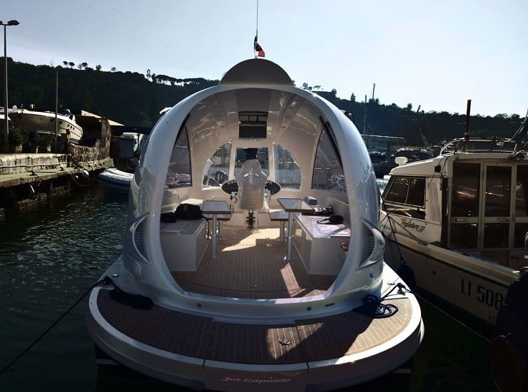 jet-capsule-mini-yacht-7