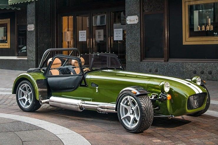 caterham-x-harrods-special-edition-car-1