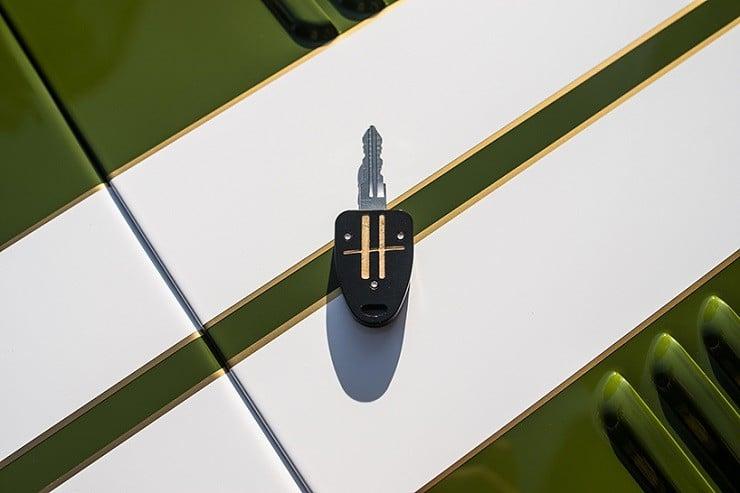caterham-x-harrods-special-edition-car-8