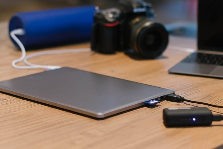 line-dock-laptop-power-bank-8