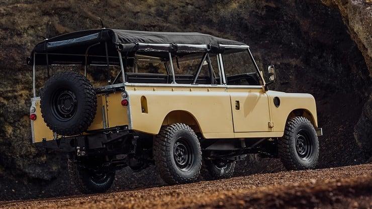 land rover series iii lwb by cool vintage men 39 s gear. Black Bedroom Furniture Sets. Home Design Ideas