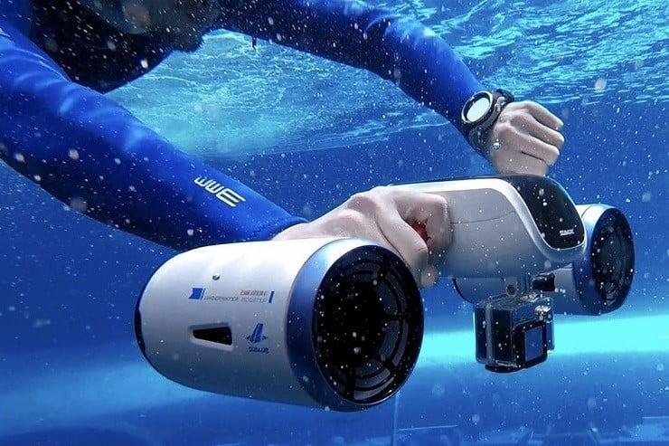Scorkl handheld diving tank men 39 s gear for Dive scooter