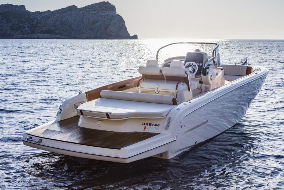 Invictus 280SX Yacht