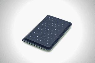 Discommon Thermoformed Card Wallet 2