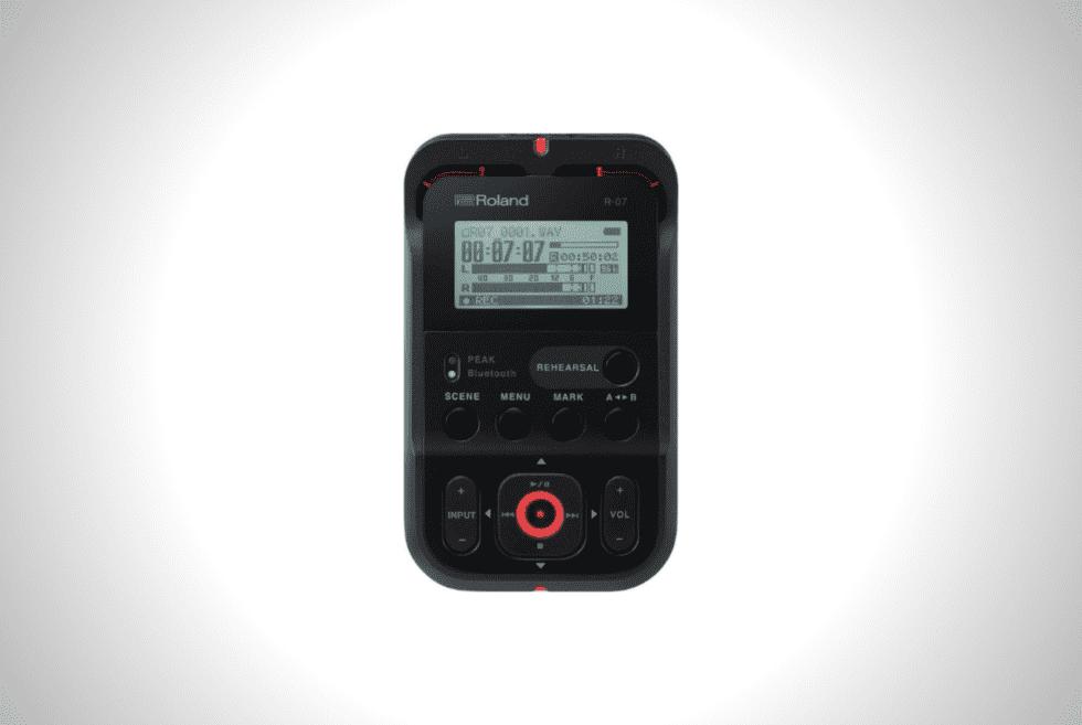 Roland R-07 High-Resolution Audio Recorder