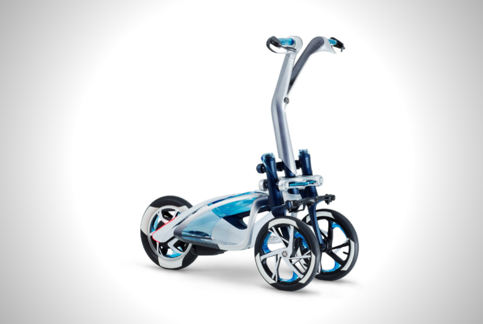 The Yamaha TRITOWN Actively Leans Along With Its Driver
