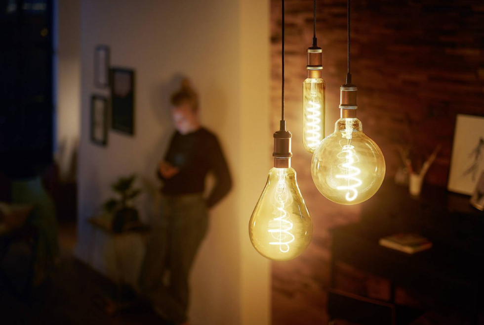 The Philips Hue Filament Collection Mixes Vintage Looks With Modern Tech