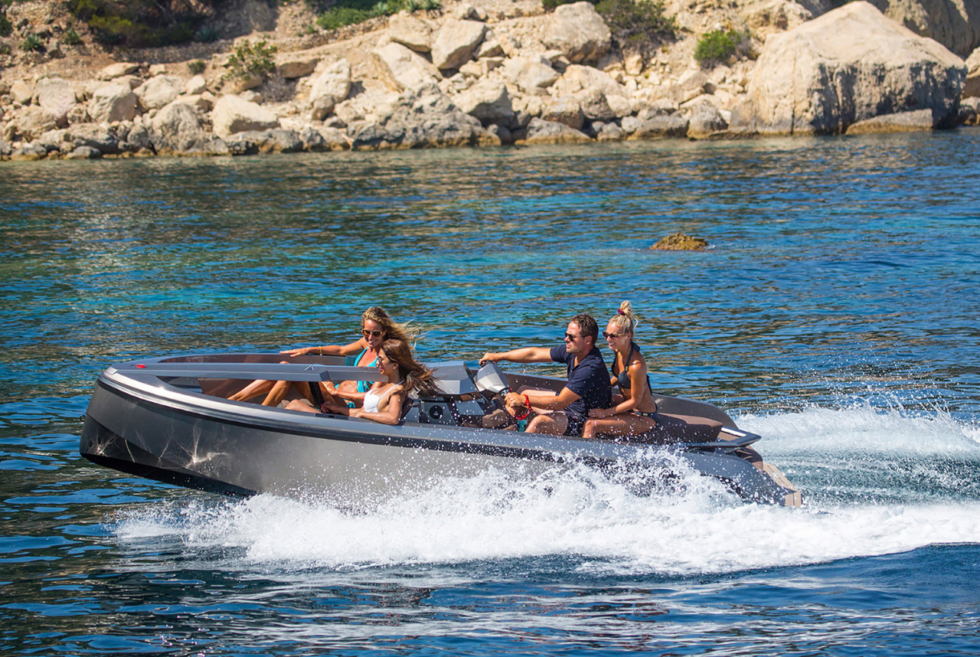 The Vanquish Yachts Vanqraft VQ16 Is An Awesome Hybrid Yacht Tender