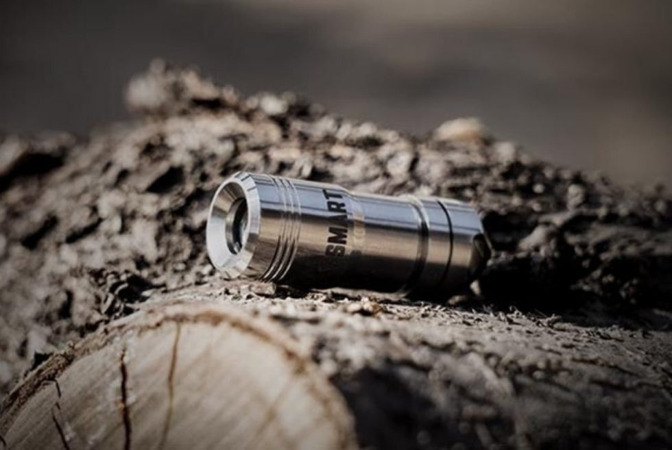 YSMART 2.0 Magnetic Quick-Release Flashlight is small and powerful