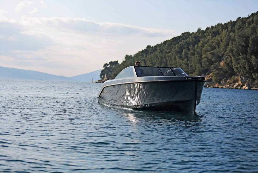 Rand delivers zero-emission cruising on the Leisure 28-E for up to 12 people
