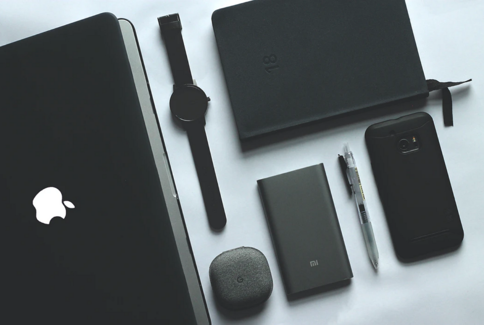 10 Tech Essentials for College Guys